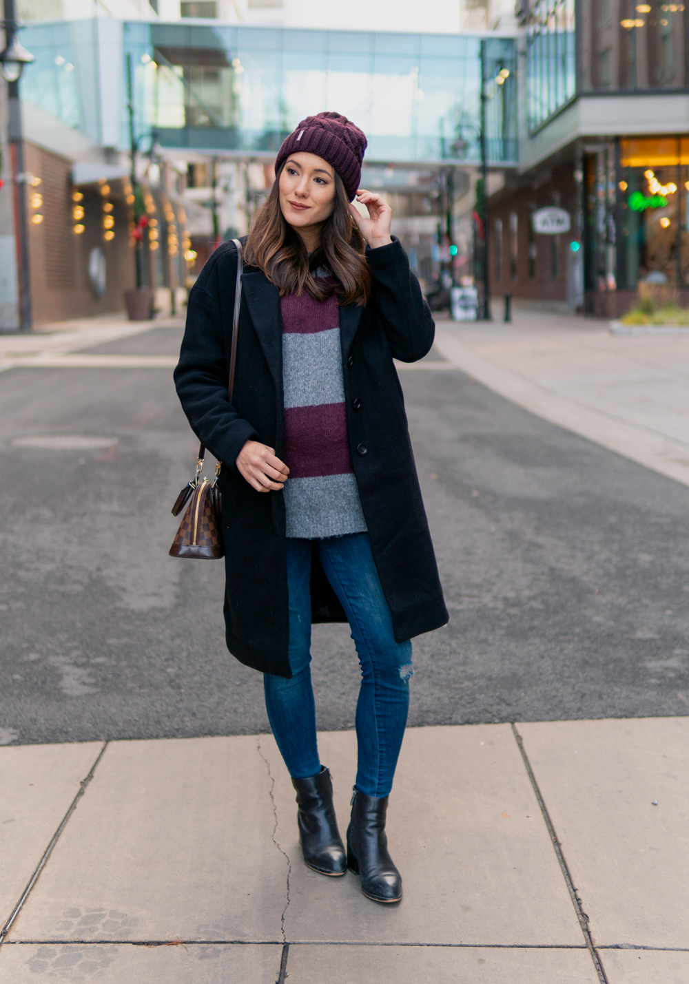 461441bdca2244 Last week I shared a classic winter coat I've had for years, and today I'm  sharing the newest addition to my coat collection. I've been looking for a  great ...